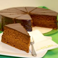 Schokoladentorte Sacher-Art